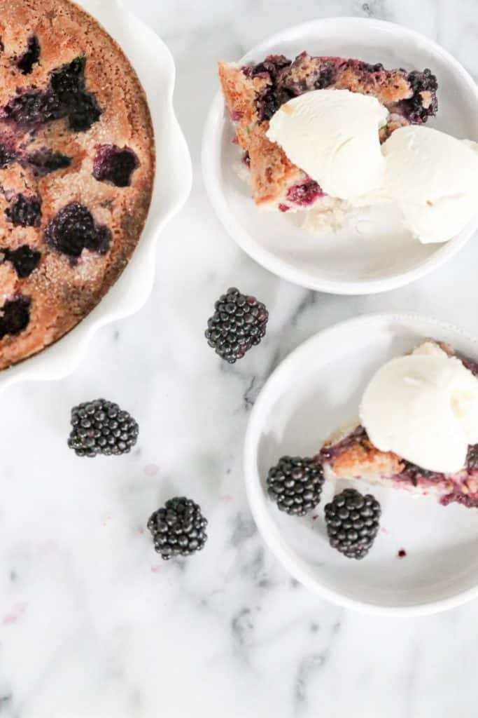 blackberry cobbler with ice cream
