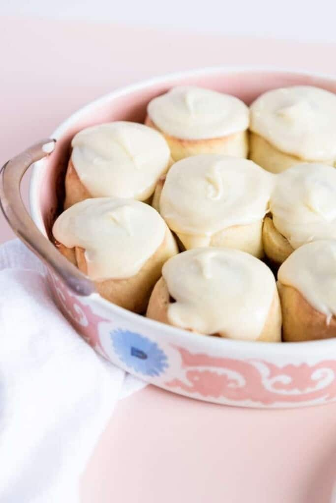 cinnamon rolls some with icing