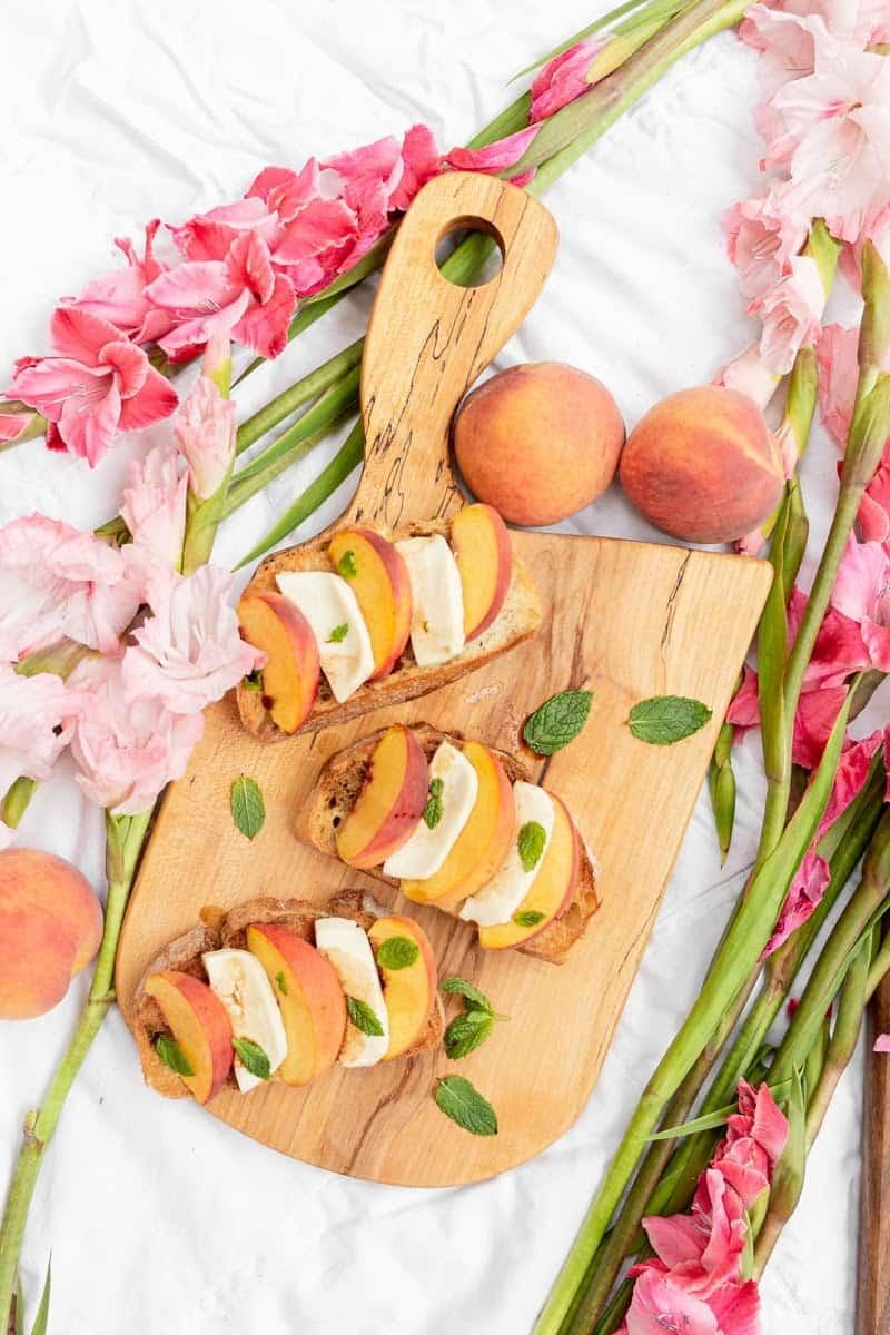 peach mozzerella crostini overhead
